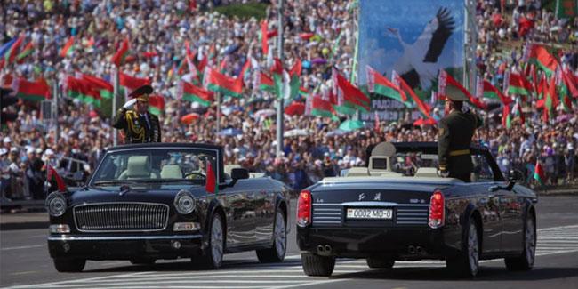 Рішення про святкування національного свята Дня Незалежності 3 липня було прийнято в ході всенародного референдуму, який відбувся в 1996 році