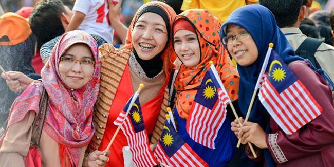 Федерація Малайзії офіційно отримала незалежність від британської колонізації 31 серпня 1957 року