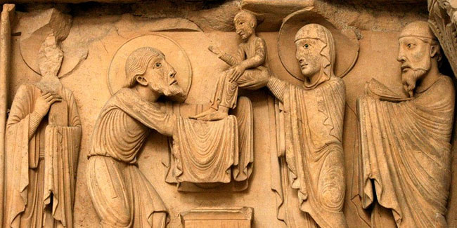 Стрітення Господнє, XII століття. Частина тимпана західного фасаду в Ла-Шаріте-Сюр-Луар, Бургундія, Франція